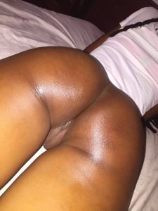 ngong road escorts- Find kenya hottest girls along Ngong road for the sweetest african pussy.